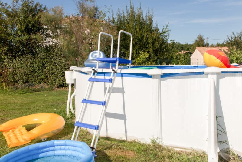 ladder-pool-above-ground